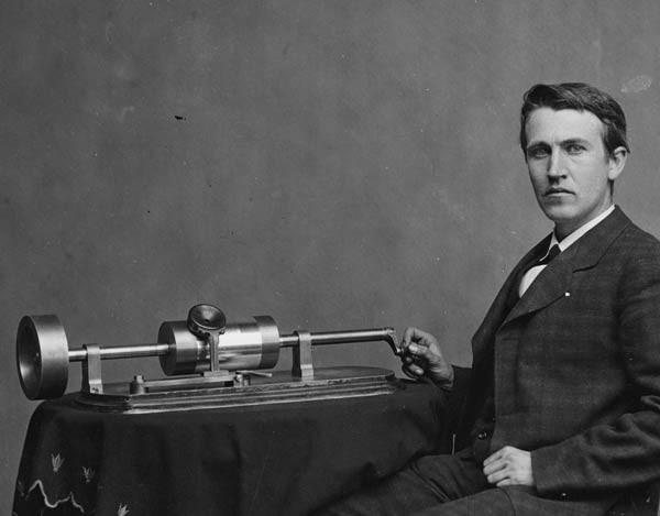 صور - اختراعات توماس اديسون وقصة حياته