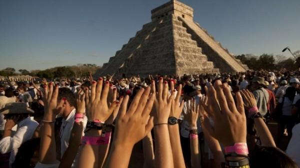 صور - اغرب 10 ظواهر طبيعية تجذب السياح من جميع انحاء العالم كل عام