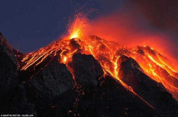 من اخطر البراكين النشطة بركان نيراجونجو