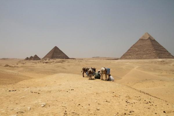 اتجاهات الاهرامات المصرية