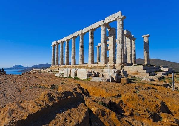 معبد بوسيدون في سونيون من اشهر المعابد اليونانية