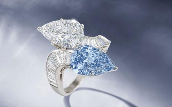 الخاتم البلغاري الأزرق من اغلى خواتم الالماس