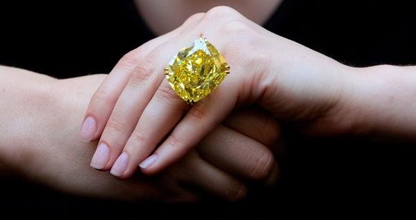 الخاتم الاصفر الدائري من اغلى خواتم الالماس