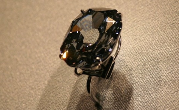 خاتم الماس جراف ويتلباش من اغلى خواتم الالماس