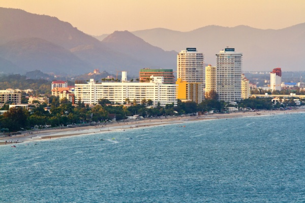 شاطئ هوا هين من افضل شواطئ تايلاند