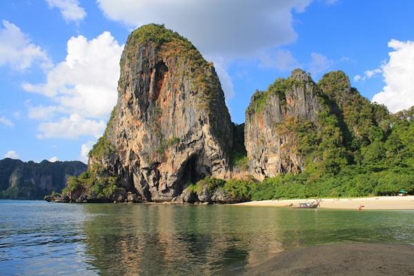 شاطىء فرا نانج من افضل شواطئ تايلاند