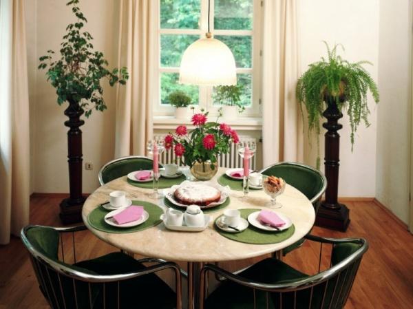 تصاميم رائعة طاولات الطعام food-tables_537_12_1